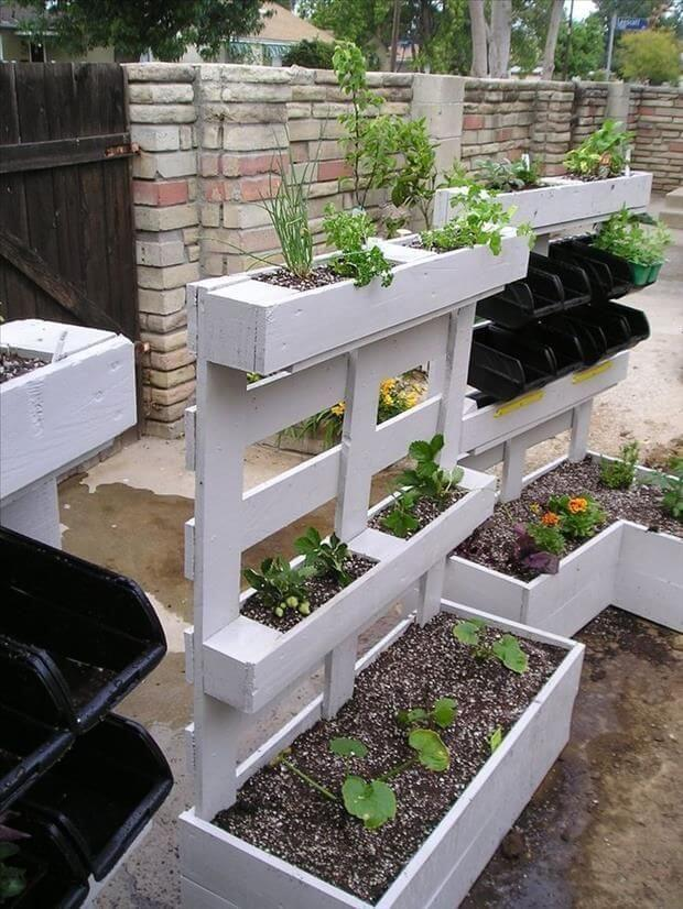 Pallet Projects for Your Garden Check out