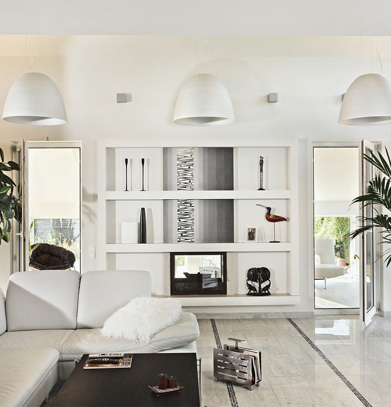 Unique and luxurious white living room