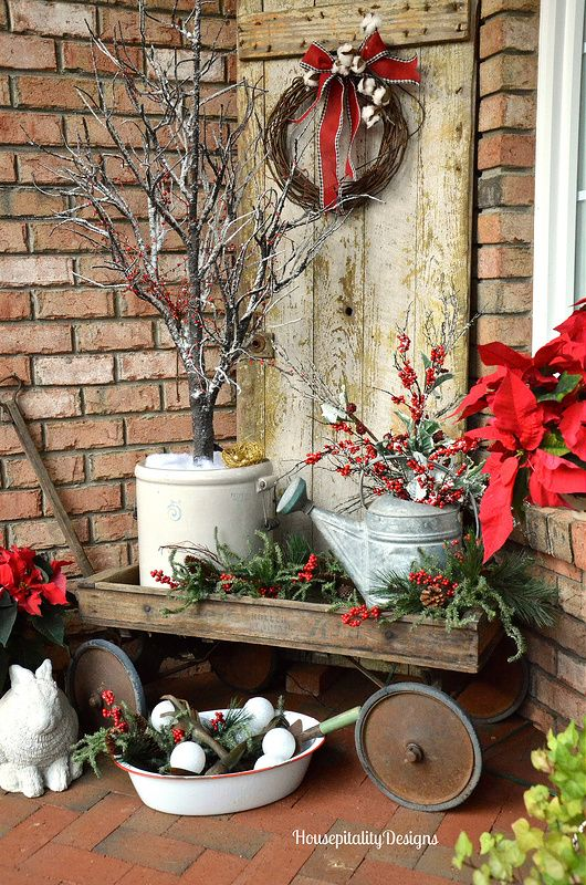 20 Amazing Christmas Decorating Ideas For Your Garden | Worthminer